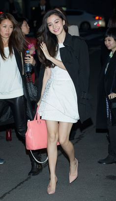 Pin for Later: Angelababy Is a Chinese Superstar Who Could Give Kim Kardashian a Lesson in Style A Pink Leather Bag Complements Taupe Pumps
