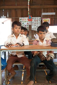 Boys in class, UWS Jong Ra #School, #Cambodia (photo by Anna Willet)