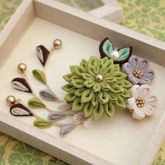 Kanzashi Flowers, Felt Flowers, Fabric Flowers, Miscellaneous Goods, Ribbon Crafts, Bows, Japanese, Sewing, Cute