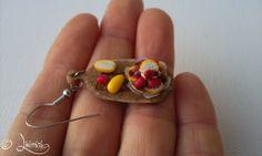 Strawberries and lemons on cutting board - earring, eprek és citromok vágódeszkán - fülbevaló