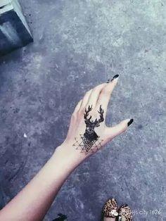 纹身 | 代表神灵化身的鹿图案纹身,你敢纹吗?-1626潮流精选-微头条(wtoutiao.com)