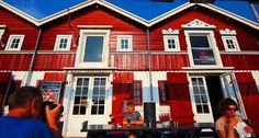 Traditional fishing huts in Skagen #visitskagen #latergram #fishinghouses #canon100d #eos100d #canon #travelgram #wanderlust #globetrotter #vscotravel #vscocam #visitdenmark #skagen #harbour #skagenfiskerestaurant