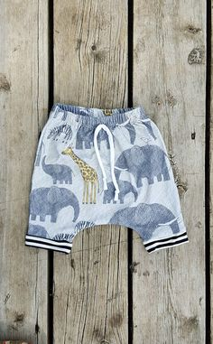 Summer shorts for you baby boy!!  Jersey knit boy harem shorts, elephants, zebras and giraffes on a gray/taupe background, black and white