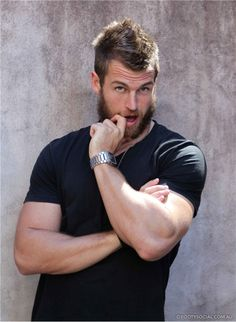 """David """"Wolfman"""" Williams professional rugby player..... I think I need to pay more attention to rugby ;)"""