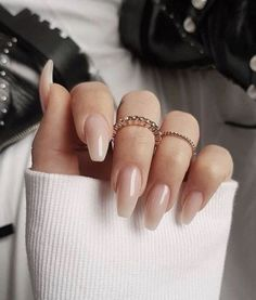 """If you're unfamiliar with nail trends and you hear the words """"coffin nails,"""" what comes to mind? It's not nails with coffins drawn on them. It's long nails with a square tip, and the look has. Blush Nails, Nude Nails, Gel Nails, White Nails, Nail Nail, Nail Polishes, Fall Acrylic Nails, Acrylic Nail Designs, Christmas Acrylic Nails"""