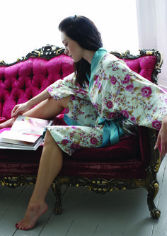Are you interested in our Cotton print Dressing Gown? With our Rose print Kimono Bathrobe you need look no further.