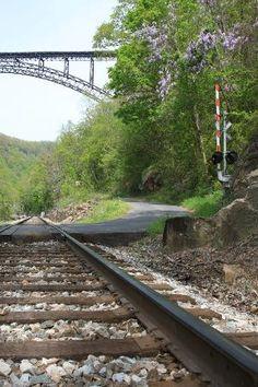 West Virginia: under the bridge