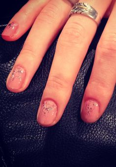 Gorgeous petal pink nails w/ sparkle backstage from Jenny Packham show! #TRESmbfw #mbfw