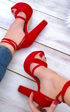 Schuhe Damenschuhe High Heels Classy Ballerinas - - Damenschuhe Flats O High Heels With Jeans, Red High Heels, Platform High Heels, Crazy High Heels, Red Wedge Heels, High Shoes, Crazy Shoes, Fancy Shoes, Pretty Shoes