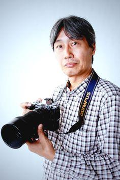 ゲスト◇ 田中 博(Hiroshi Tanaka)1963年、兵庫県神戸市生まれ。 2005年 、「Groundswell: Constructing the Contemporary Landscape」(ニューヨーク近代美術館/Museum of Modern Art)に出品。個展は「トンボ日記『水辺の詩』~田中 博の世界~」(2011年、柏崎市立博物館)など多数。 著書は「花撮影のレンズワーク」、「デジタル一眼レフ ネイチャーフォト撮影入門 花撮影編」、「あなたも撮れるきれいな花写真」(いずれも学習研究 社)。「トンボ日記『水辺の詩』~田中 博の世界~」解説図録(柏崎市立博物館)。 公益社団法人日本写真家協会(JPS)会員、日本自然科学写真協会(SSP)会員、日本トンボ学会会員。ゴミゼロ倶楽部会員。