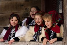 Maramures Christmas in Romanian happiness Beautiful Places In The World, Beautiful Places To Visit, Romanian People, Republic Of Macedonia, Visit Romania, City People, Folk Costume, People Of The World, Winter Holidays