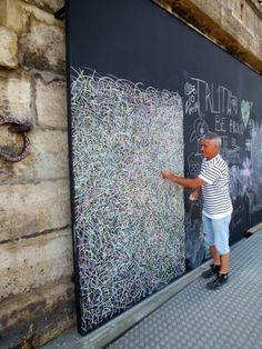 Les berges de Seine : Jardin de craie extraordinaire pour JPé - www.street-art-avenue.com