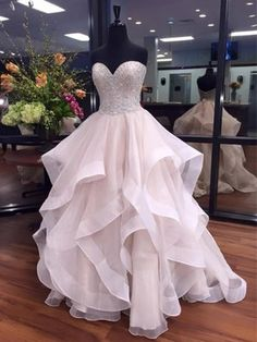 Ball Gown Sweetheart Organza Floor-length Beading Boutique Prom Dresses #DGD020103055