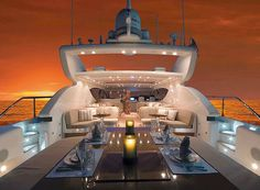 how romantic..dinner on a private yacht with my love.
