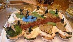 Army cake made up of cupcakes. Army Birthday Cakes, Army Birthday Parties, Army's Birthday, Birthday Themes For Boys, Birthday Desserts, Birthday Cupcakes, Birthday Ideas, Camo Party, Nerf Party
