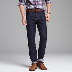 what shoes to wear with dark jeans