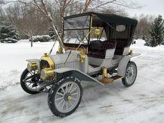 1910 Buick Model 10 Surrey Convertible - (Buick Motor Division Detroit, Michigan1899-present)