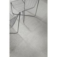 Matt trendig granitkeramik som är skapad för att efterlikna kalksten från Barcelona i Spanien. Ny avancerad teknologi där ytan reflekteras på olika sätt för att efterlikna finslipad kalksten. Fossilmönster i plattan gör att det är svårt att se skillnad mellan denna keramiska platta och riktig kalksten. Serien lämpar sig för både golv och vägg, passar lika bra i badrum som kök, hall och vardagsrum. Finns i flera storlekar och är frostsäker.