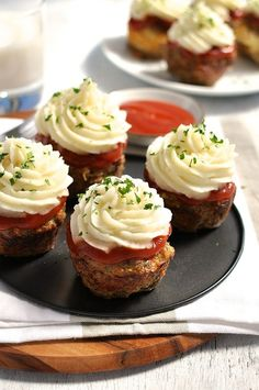 Meatloaf Cupcakes topped with Mashed Potato - you don't have to pipe the potato on! Just pile it on and fluff it up with a fork.