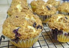 Gluten Free Blueberry Muffins with Streusel Topping (Sugar-Free) | Gluten Free Recipes | Gluten Free Recipe Box