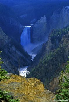 yellowstone- CHECK!! took a picture right here #US attractions #discount attractions
