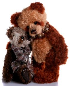 Blue Nose Friend Cranberry LE Teddy Bear Cottage - Collectable Charlie Bears