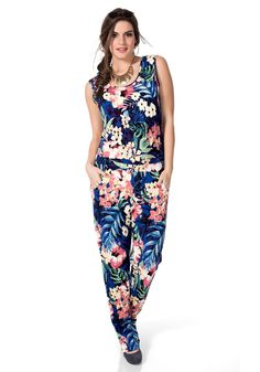 Sommerlicher Jumpsuit von Sheego Trend im Ackermann Online Shop #Tropic #Sommer Sheego, Trends, Overall, Jumpsuit, My Style, Pants, Tropical Paradise, Shopping, Dresses