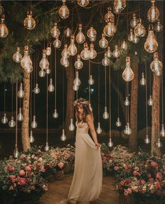 romantic wedding ideas with hanging bulbs wedding lights Breathtaking Outdoor Wedding Ideas to Love - Page 2 of 2 - Oh Best Day Ever Night Wedding Photos, Wedding Night, Wedding Bells, Dream Wedding, Light Wedding, Outdoor Night Wedding, Night Photos, Wedding Pictures, Wedding Bride