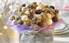 How to make a Cake pop bouquet- great centerpiece idea or gift ifea!