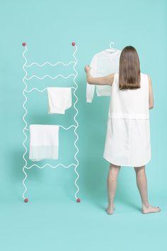 standing-metal-hi-hangers-5