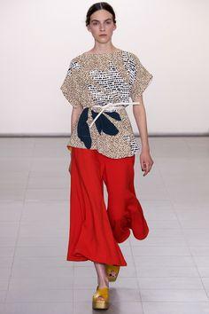 Shop Paul Smith now on AMAZE: http://on.amz.az/1IK8LkT Paul Smith Spring 2016 Ready-to-Wear Fashion Show