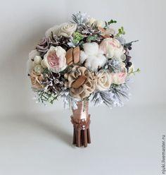 Купить Зимний букет невесты - коричневый, зимний букет невесты, зимний свадебный букет невесты из ткани, шишек, коробочек хлопка, заснеженных еловых веточек, зимних ягод и т.д., выполнен в стиле, созвучном рустикальному. Диаметр - 21-22 см Wedding Bouquets, Wedding Dresses, Holding Flowers, Elegant Flowers, Bridal Flowers, Dried Flowers, Flower Decorations, Flower Arrangements, Floral Wreath