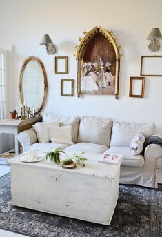 Home sweet home Ali, Sweet Home, Couch, Furniture, Home Decor, Projects, Settee, Decoration Home, House Beautiful