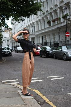 #culottes #cropped #summeroutfit #croptop #croptrousers #zara #birkenstock #summertrend #toryburch www.ThanksToFashion.com