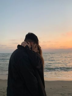 Cute Couples Photos, Cute Couple Pictures, Cute Couples Goals, Couple Photos, Couple Goals Relationships, Relationship Goals Pictures, Couple Goals Teenagers, Photo Couple, Couple Aesthetic