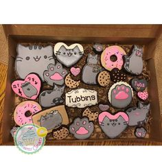 Cookies with a bite. Pusheen Birthday, Cat Birthday, Cat Cookies, Sugar Cookies, Cupcakes, Cupcake Cakes, Pusheen Cakes, Galletas Cookies, Cat Party