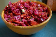 Curtido - cabbage salad from El Salvador Vegan Mexican Recipes, Real Food Recipes, Vegan Recipes, Cooking Recipes, Lunch Recipes, Vegan Food, Latin American Food, Latin Food, Cabbage Salsa