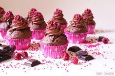 Sekrety Cookietki: Czekoladowe cupcake'i z malinami
