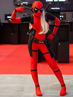 Lady Deadpool (apparently threatening to shoot herself?) #cosplay
