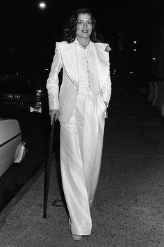 El esmoquin pieza estrella de la primavera: Bianca Jagger