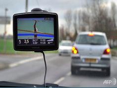 Kajian tergempar: Cari jalan bergantung pada GPS mematikan sel otak   ZAMAN teknologi menyaksikan bagaiamana manusia terlalu bergantung pada alatan elektonik contohnya penggunaan alat Sistem Pengesanan Global (GPS) dalam mencari jalan ke sesuatu tempat.  Kajian tergempar: Cari jalan bergantung pada GPS mematikan sel otak  Satu kajian dibuat di mana para saintis mengkaji kesan penggunaan terlalu bergantung harap pada alat GPS ini kepada otak dan mendapati mereka yang sering menggunakannya…