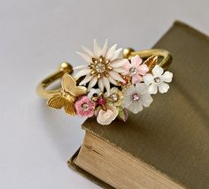 Lonkoosh Bridal Bracelet in Pinks - ... I like this concept.