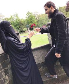 Cute Muslim Couples, Muslim Girls, Muslim Women, Muslim Couple Photography, Photography Poses, Basketball Couples, Arab Couple, Muslim Love Quotes, Islamic Girl