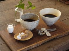 coffee - Japanese style Japanese Bowls, Japanese Sweets, Japanese Food, My Coffee, Coffee Time, Tea Time, Bakery Packaging, Small Tray, Cafe Style