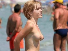 celebrity_emma_watson_fully_topless_at_the_beach_-_leaked_celeb_tits_boobs_pics_4223280488.jpg (600×450)