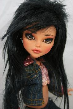 SE Asian doll  (love the hairstyle) Bratz doll Jade  #MRSBITTERCHEF (Pinners)