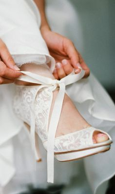 Lace bridal shoes
