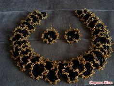 Oglala lace stitch necklace & earrings - dense, with really strong contrast