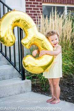 Photo Balloons, Mylar Balloons, Third Birthday, Happy Birthday, Rose Gold Number Balloons, Outdoor Photos, Number 3, Birthday Photos, Birthday Balloons