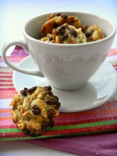 DOLCEmente SALATO: Biscotti con riso soffiato, cioccolato e cocco